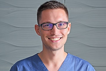 Dr. Vinis Zoltán Fogorvos