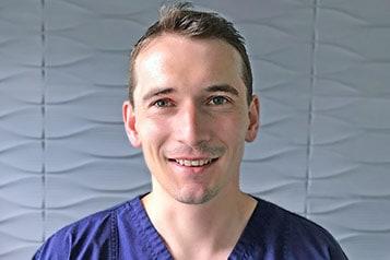 Dr. Gszelman Ferenc Dento alveoralis szajsebesz szakorvos