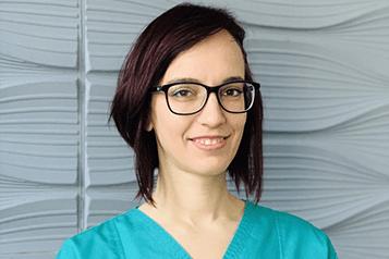 Dr. Tarján Gedei Barbara Konzerváló fogászati és fogpótlástani szakorvos